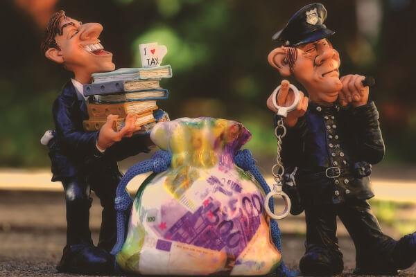 オンラインカジノ 摘発